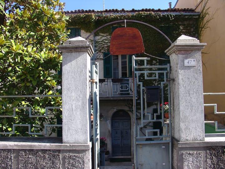 "Guest House ""Casa Madonna"" Lama ITA"