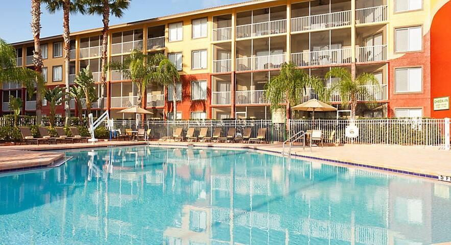 2 BR Orlando Sunshine Resort