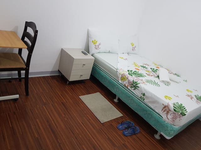 Cozy & Affordable Condo Rooms  Malate Area, Manila