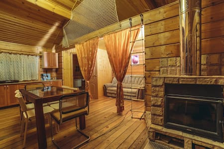 Cozy home studio with a fireplace - Zelenogorsk - Huis