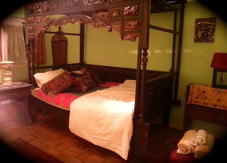 Bedroom 1  antique chinese opium bed , aircon