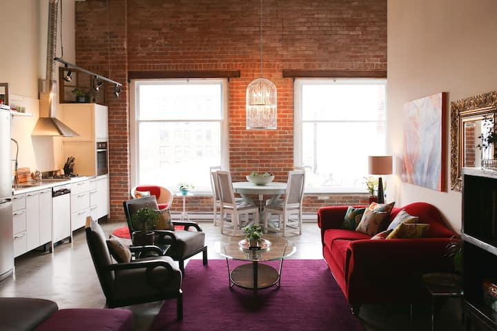 Unique Loft in the Heart of Gastown