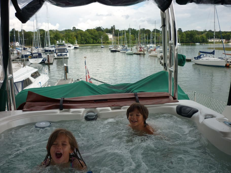Hot tub on upper deck - 4 person