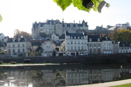 La Boulangerie, Loire Valley France - Saint-Aignan-sur-Cher - Hus