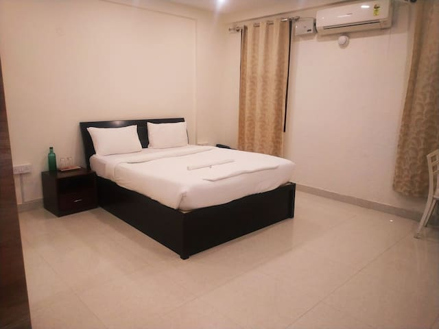 AC rooms near ITC LIMITED