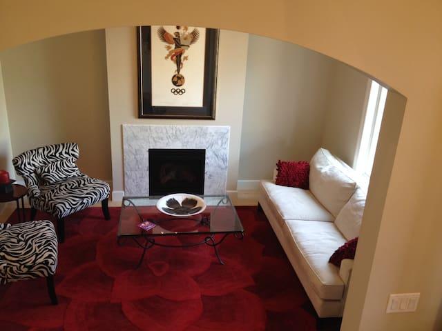 Private Queen Room w Ensuite Bath - Denver - Huis