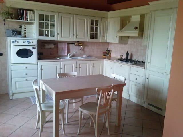 Casa-Appartamento - Casaleggio Novara - Huis