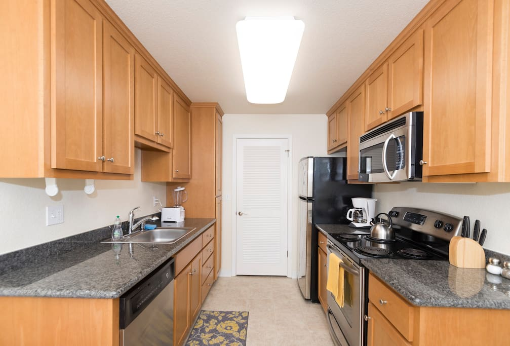 2 bed 2 bathroom in sunnyvale flats for rent in for Aki kitchen cabinets
