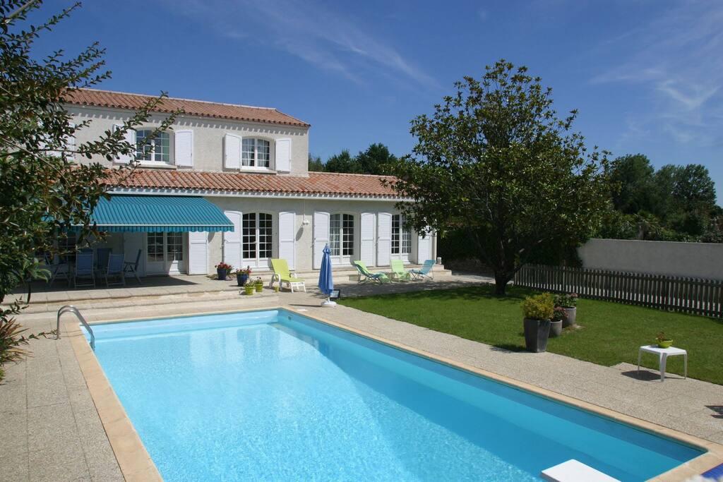 Grande maison avec piscine nantes maisons louer for Piscine julien