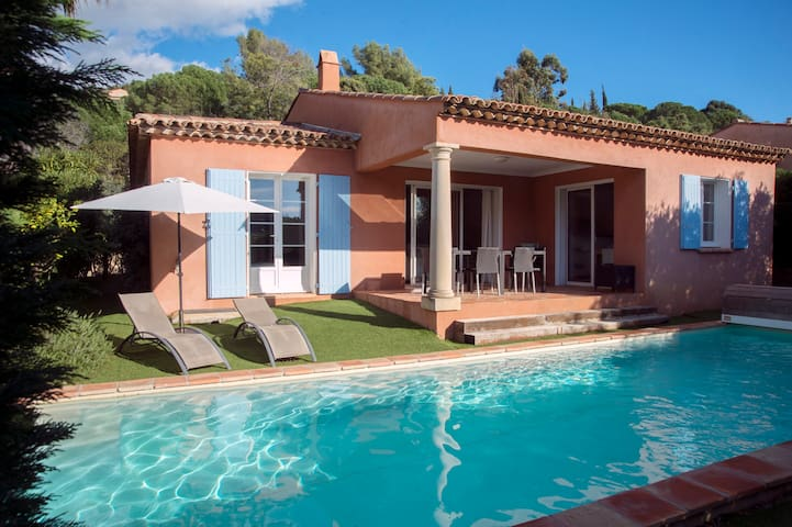 Villa 6/8 personnes, piscine privée Cavalaire
