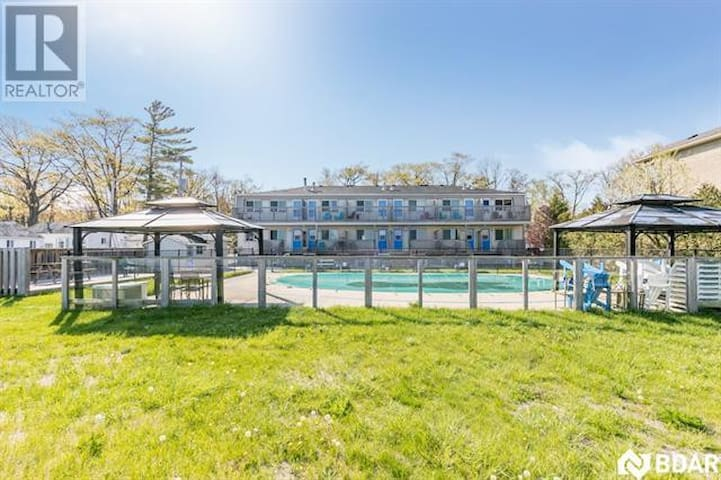 Bayfront Beach 5AB | Wasaga Beachfront Pool Condo