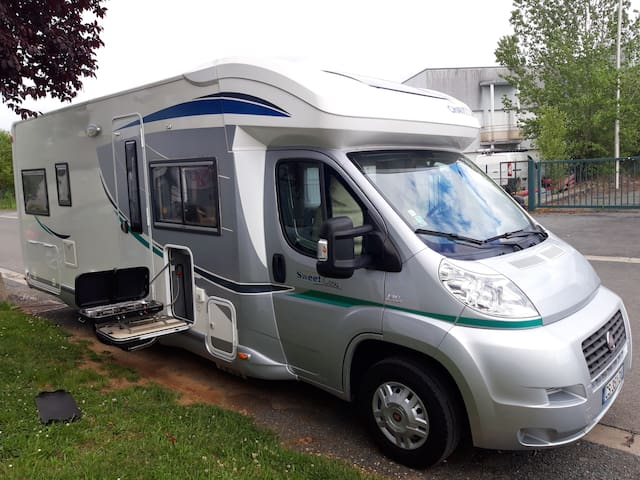 LOCATION CAMPING CAR FIAT CHAUSSON SWEET COSY