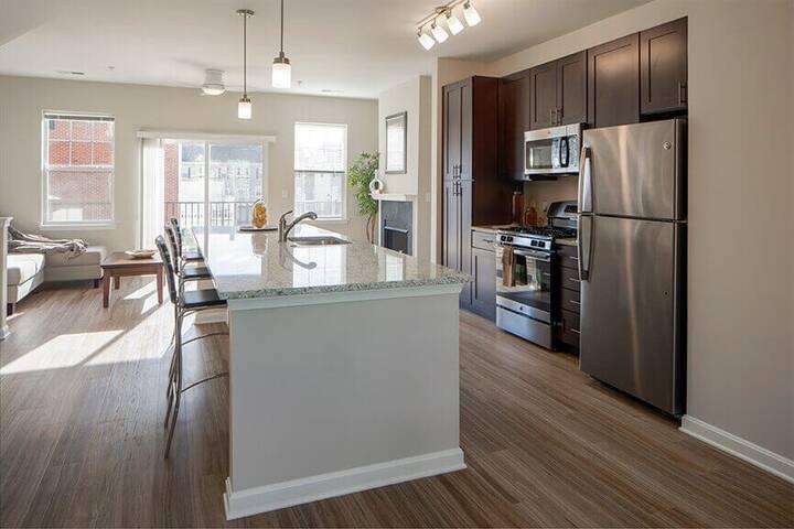 Luxury community apartment in Elkridge