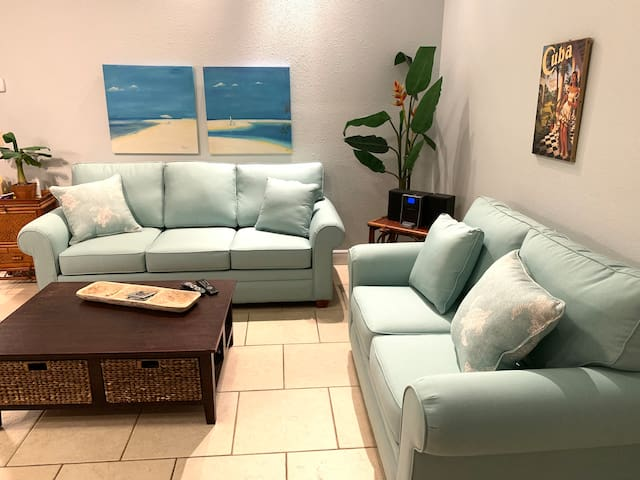 2 Bed & Loft, Across from the Beach on St. George