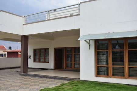 West Hill Villa