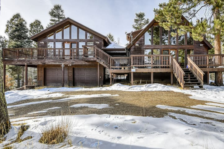 Two-house property w/ large deck, fireplaces & mountain view - near ski/golf!