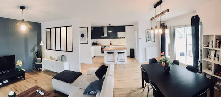 SPACIOUS AND MODERN APARTMENT WITH CAEN BALCONY FOR 4 PEOPLE