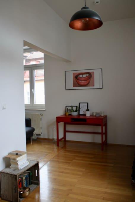 Livingroom (side view)