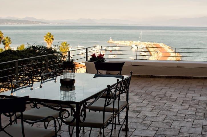 The Olivetree Luxury House - Amazing View - Koroni - Huis