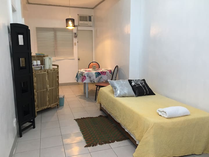 Valley Room (U3) - ideal for long-stay