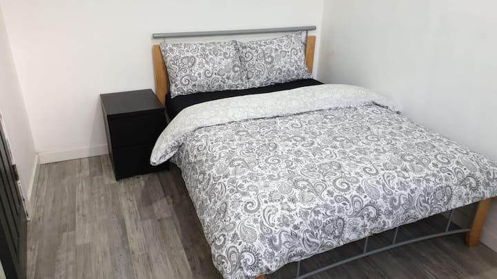 Double Bedroom-Room 1