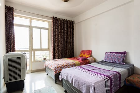 Gateway To India, Private Apartment - Ghaziabad