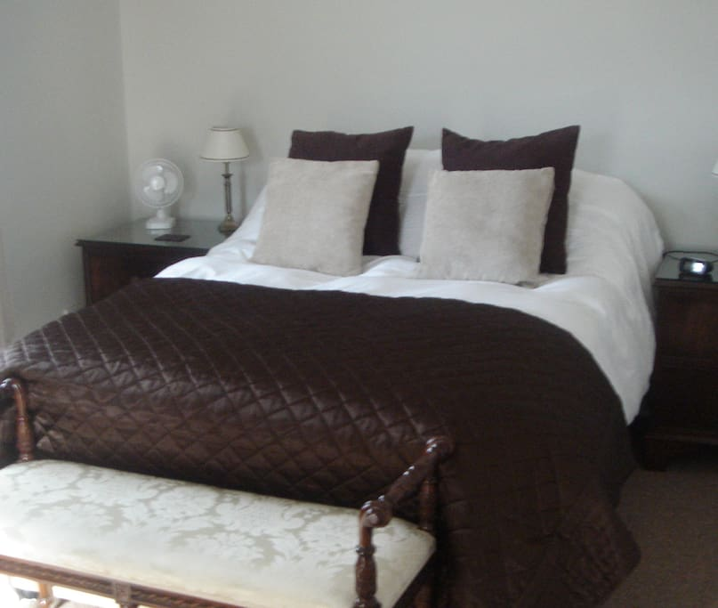 Bed And Breakfast Chertsey