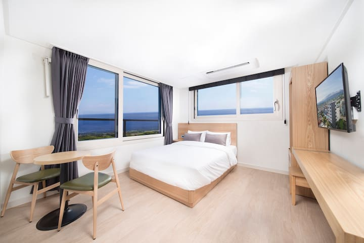 Clean and tidy, private single room (호텔이디)