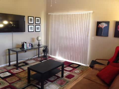 Classy, Quiet, 1st-Floor Apt. w/Office Space & Car