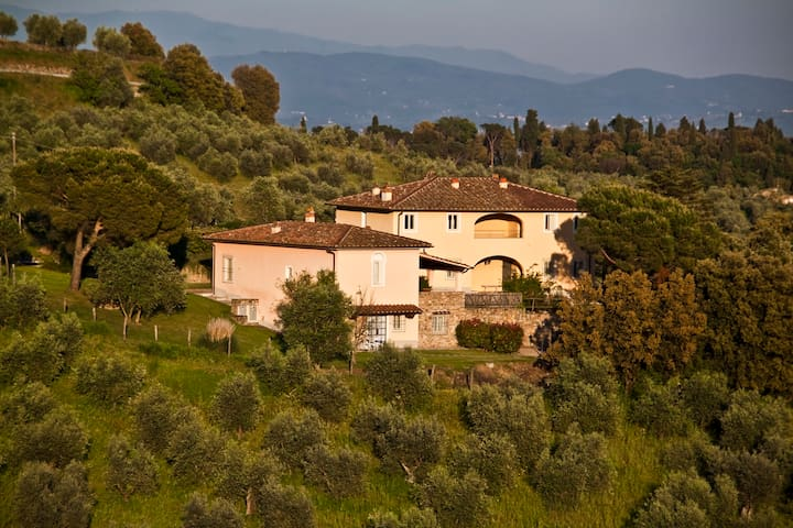 """""""Le Fagianaie"""" nel cuore della Toscana - Carmignano - Serviced apartment"""