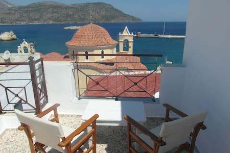 MINA APARTMENTS - Karpathos - Apartment