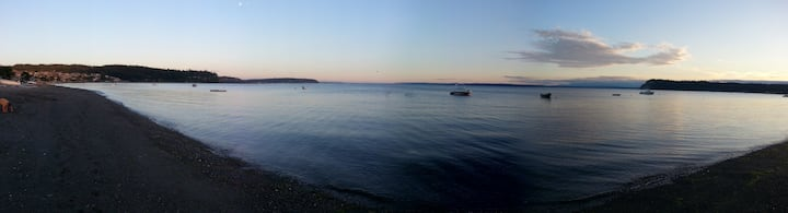 Paradise on Whidbey Sunlight Beach for 11 people.