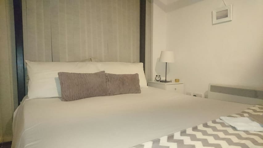 City Centre Apartment Safe, Modern & Comfortable. - Dublino - Bed & Breakfast