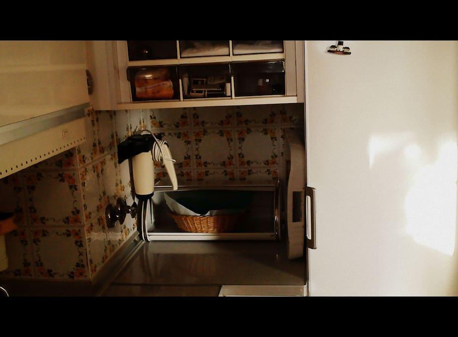 Die Küche, alles was der Koch braucht.