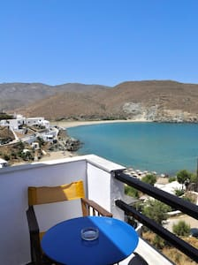 Rooms with sea view in Tinos. - Kolimpithra