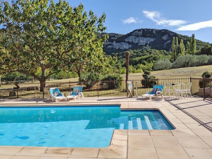 Villa Acacia with heated pool, Tennis, Mini-golf..