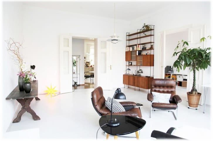 Best of Kreuzberg Artist's Design Apartment - Berlin - Apartemen