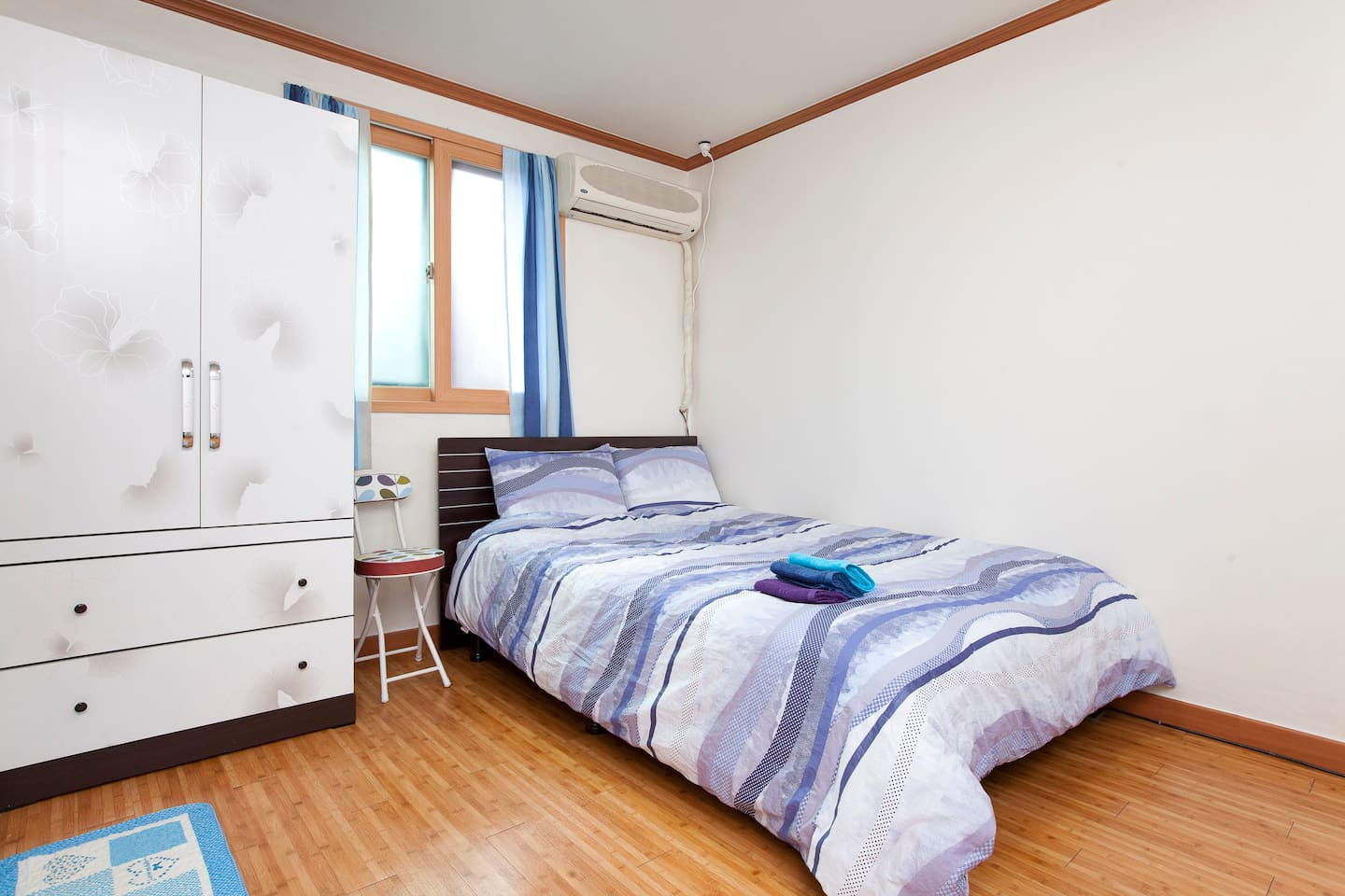 Fully furnished Double size bed studio