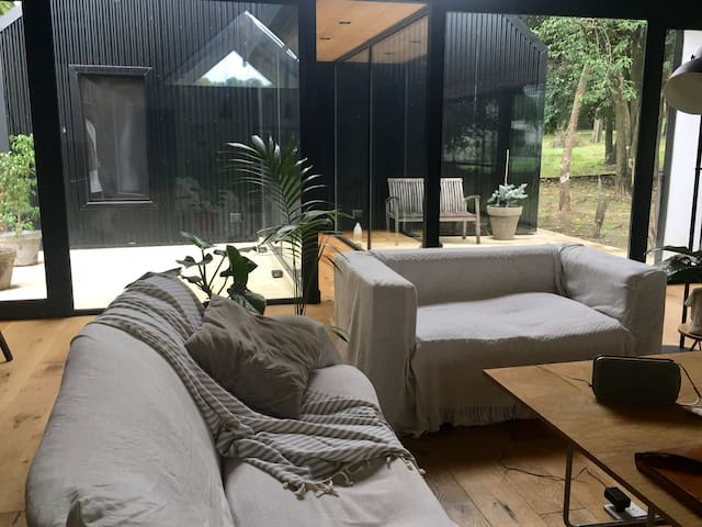 Modern Black Barn house - Mendiolaza