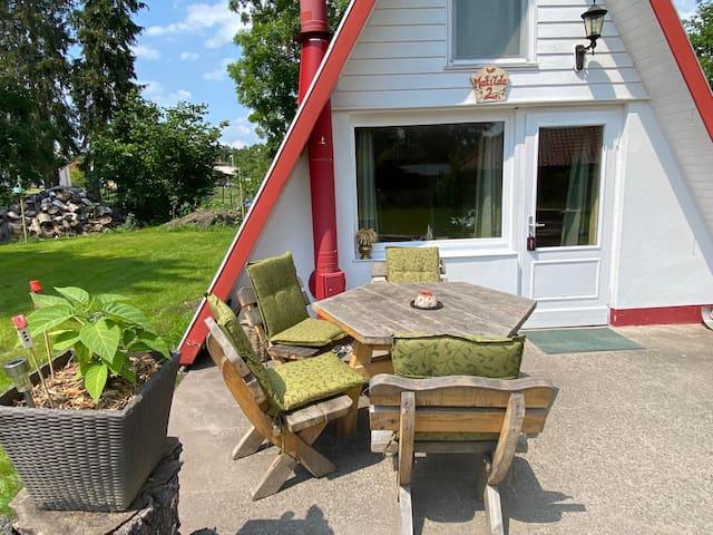 Matilda II- romantische Hütte, Wasser und Wald