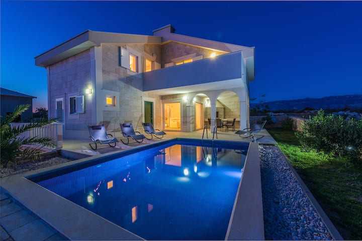 Villa Stani -luxury villa with pool