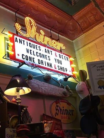 Antiques, Art & Beer Shiner, TX Drink & Shop!