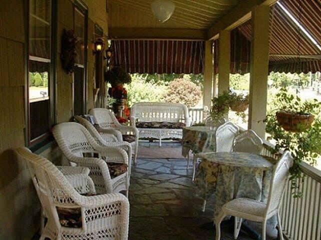 Inn Room w/Priv Entrance, Kitchenette by CT Shore! - Westbrook - Domek gościnny