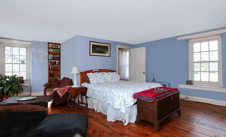 300+ yr MASTER Bedroom QUEEN BED /PRIVATE BATH - Washington Crossing - Rumah