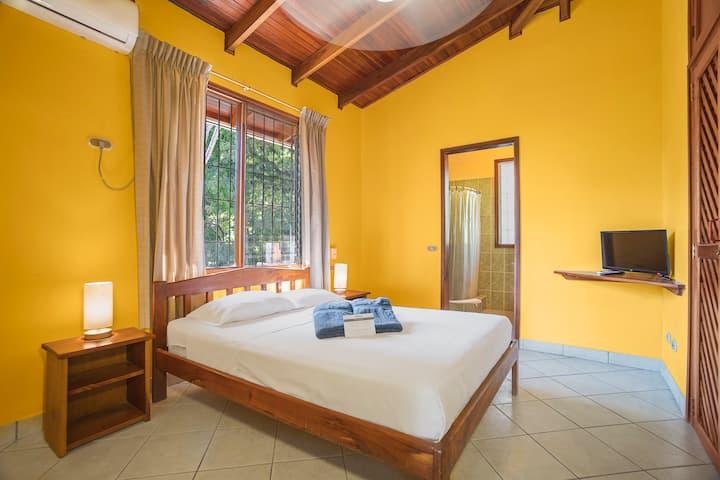 Bahia Esmeralda, Apartment #16