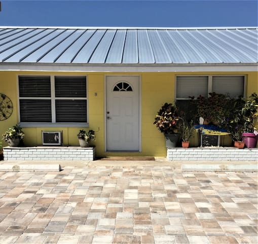 Welcome to Unit #3, just steps from the white sandy beaches of Redington Shores!
