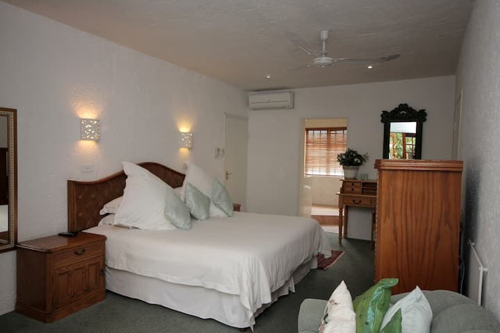 Pats Rooms 3 - Best Bnb in Bryanston