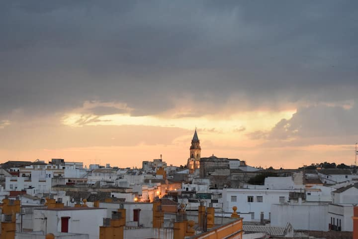 Top apartment with roof terrace - Southern sunsets
