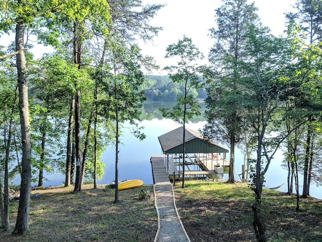 Memory Cove  Kingston, Tennessee