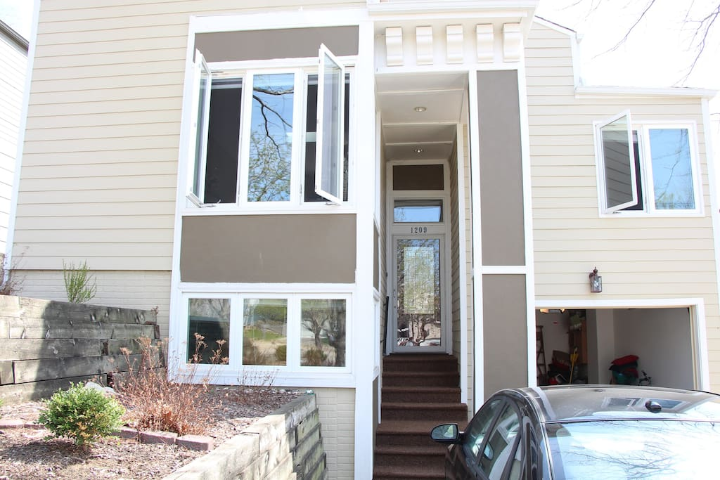 Updated modern luxury home a 10 minute walk to the Old Market!
